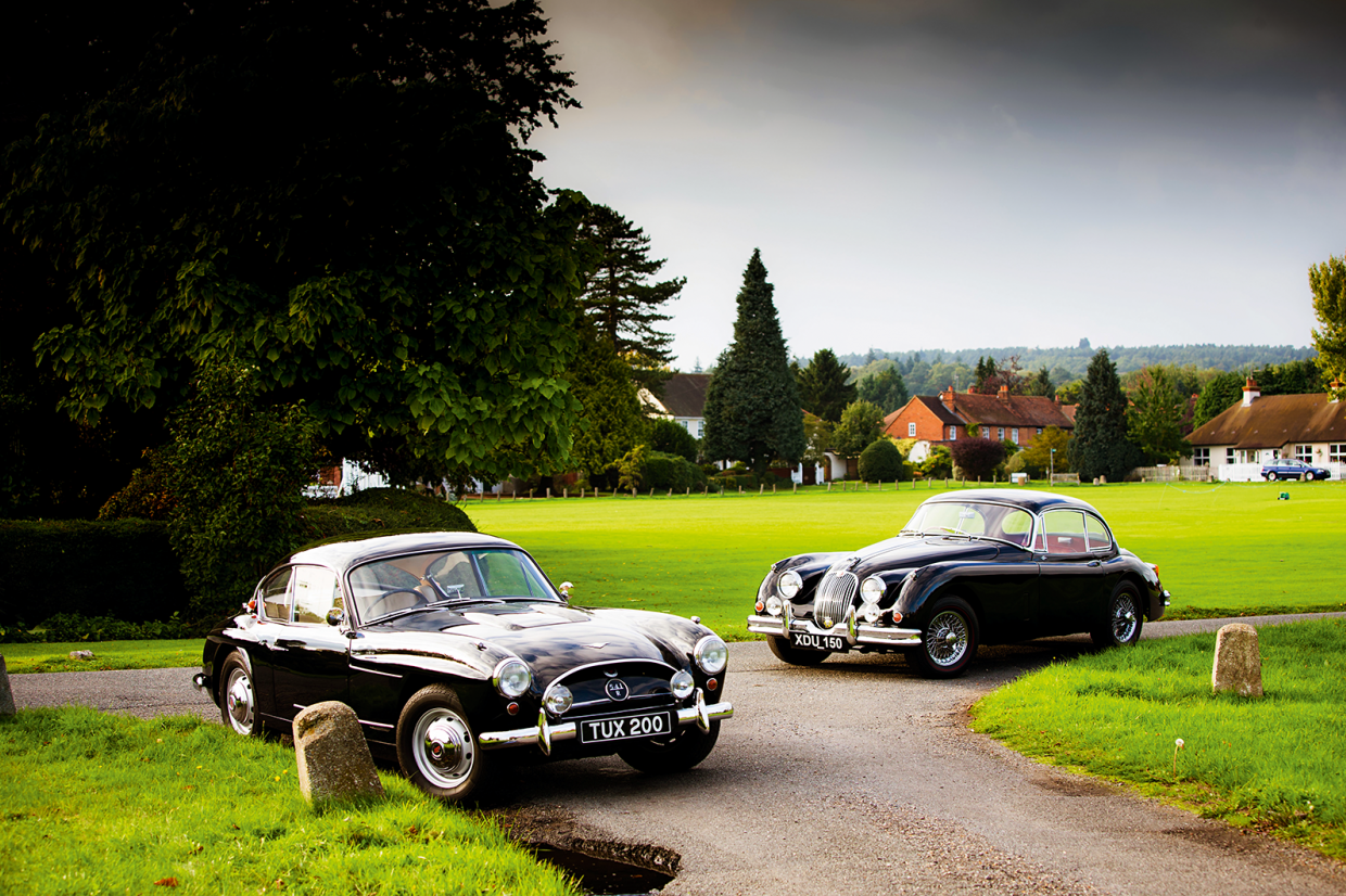 Classic & Sports Car – Midlands derby: Jensen 541R vs Jaguar XK150