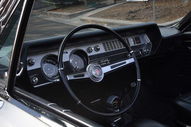 Classic & Sports Car – Lifelong love: Oldsmobile 442