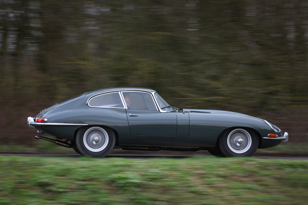 Classic & Sports Car – Don't buy that, buy this: Jaguar E-type vs Marcos 3-Litre