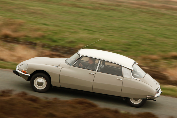 Classic & Sports Car – Celebrating the big Citroën saloon with DS, CX, XM and C6