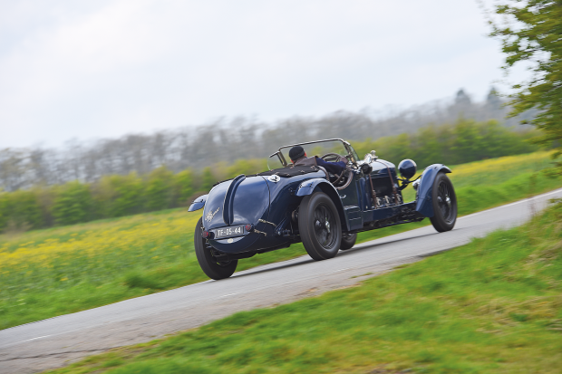 Classic & Sports Car – Alfa Romeo 8C: Driving a rare 'Long Chassis'