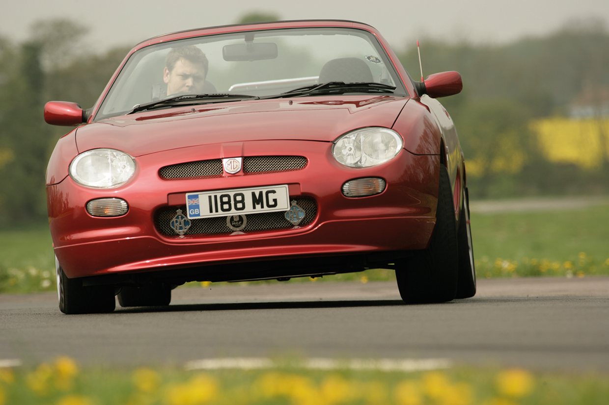 Classic & Sports Car – Buyer's guide: Alfa Romeo Spider (916)
