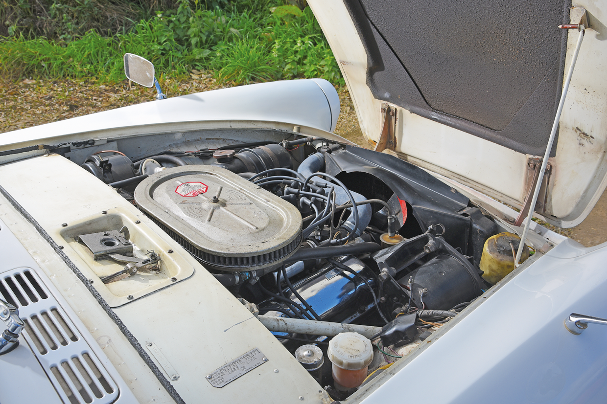 The Sunbeam Tiger's ohv 4261cc V8