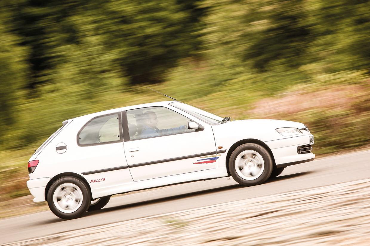 Classic & Sports Car – Feisty four-pots: Peugeot 306 Rallye vs Honda Integra Type R vs Ford Racing Puma