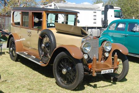 Classic & Sports Car – Eclectic classics shine at Motoring Expo