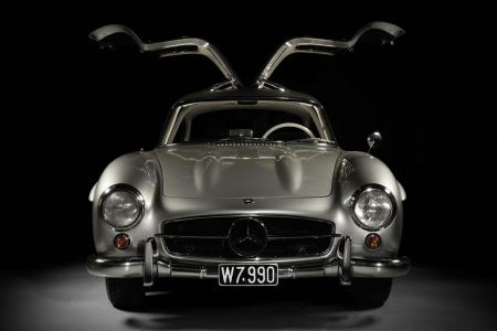 Classic & Sports Car – No reserve Mercedes-Benz 300SL Gullwing sells for £1.3m