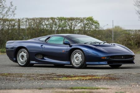 Classic & Sports Car – XJ220 pair lead Silverstone Auctions sales