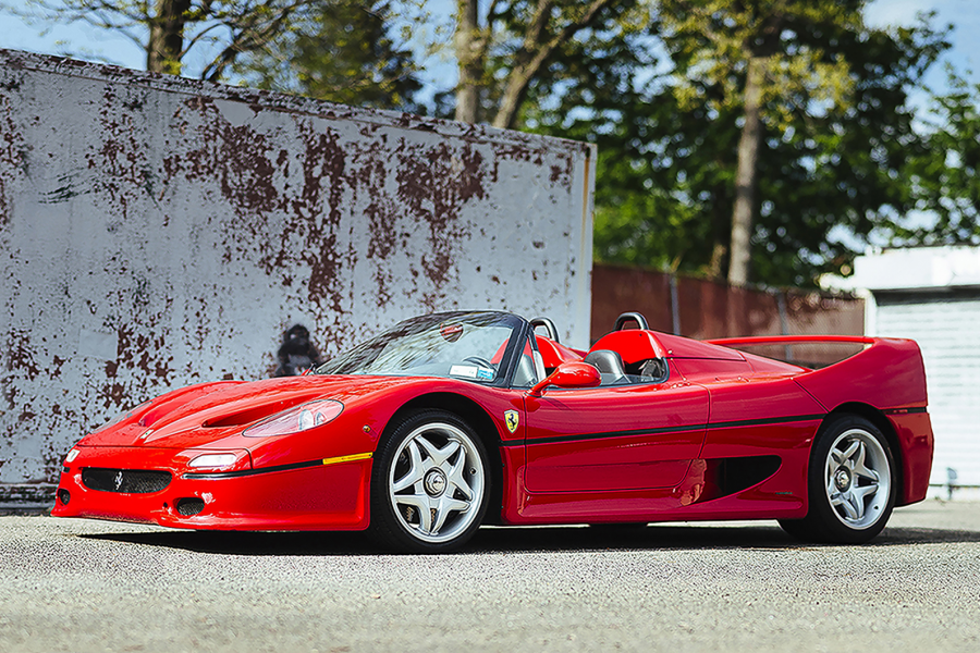 Classic & Sports Car – Unique Ferrari F50 headlines desert sale