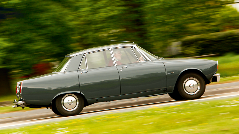 Starter classics: 14 great cars for a first-timer